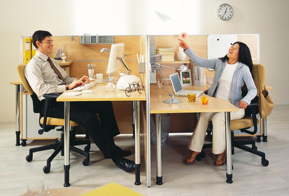 Офисные столы Periscope с настройкой на рост