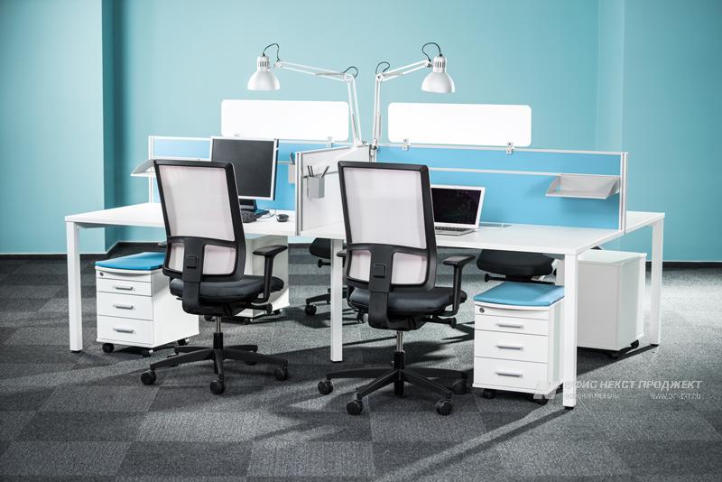Четырех местная бенч-система столов Interplay в интерьере